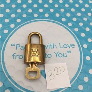 Louis Vuitton Lock and key set 320
